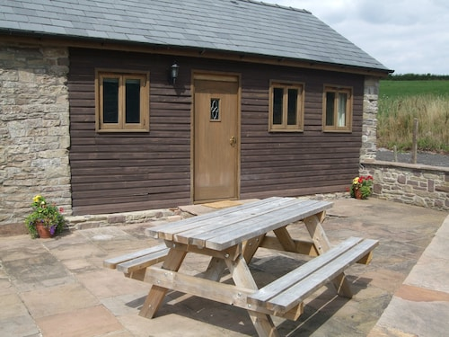 Barn Conversion in Beautiful Countryside, Sleeps 4