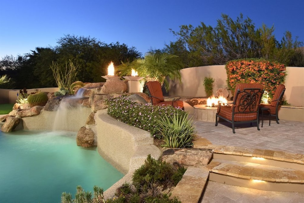 North Scottsdale Luxury Home Sleeps 12 Entertaining Oasis