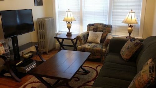 Awesome XL Updated 2BR South St. Louis Near Zoo,forest Pk,downtown,bjc,washu,slu
