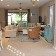Lovely and Comfortable Condo in Beautiful Gated Community of Verandah