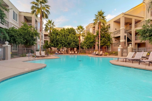 NEW Listing! Dog-friendly Condo in the Heart of Tempe w/ Shared Pool/hot Tub/gym