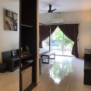 Gold Coast Marib Comfy Studio