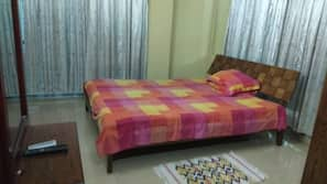 3 bedrooms, individually furnished, free WiFi, bed sheets