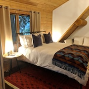 Modern log Cabin Minutes Away From Kiana Lodge, Clearwater Casino and Poulsbo