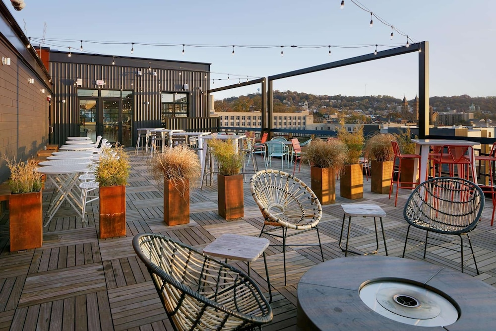 Terrace/Patio, TRYP by Wyndham Pittsburgh/Lawrenceville