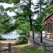 Secluded Lakefront Natural Retreat ~ Bring Your Atv's, Great Fishing ~ Privacy!