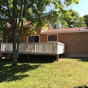 Cozy 2 Bedroom 1 Bath Home Downtown Grand Marais