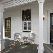 Chapman Cottage~charm, Luxury, Comfort and Style in Downtown Arcata!