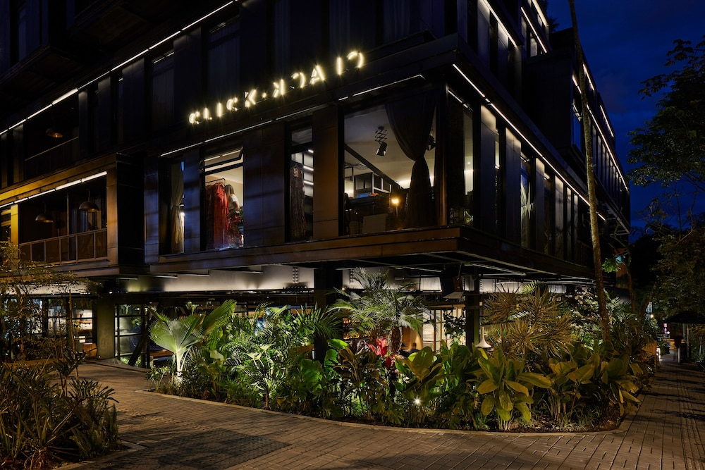Front of Property - Evening/Night, The Click Clack Hotel Medellin