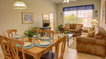 Clovelly Condo at Windsor Palms Resort