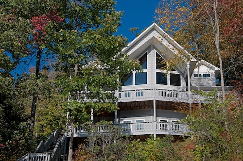Direct Lakefront + Spectacular Mt & Lake Views - Book Now for Fall Specials