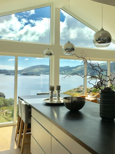 Beautiful House With Fantastic Sea View Right Outside Bergen City