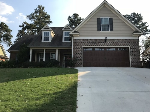 Masters Rental - Sumter Landing 5 Bedroom 3 Bath Home Close to Tournament