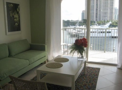 The Yacht Club At Aventura. 1 Bedroom Waterfront!