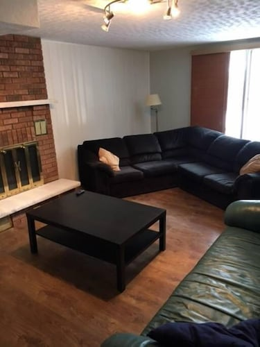 Living Area, Very Large & Welcoming London Bungalow