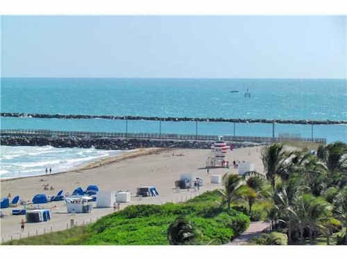 South Beach - Oceanfront, 1br/1ba Suite- Hilton Bentley Hotel