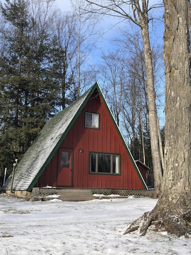 Cozy little A-Frame located in beautiful Harbor Springs.
