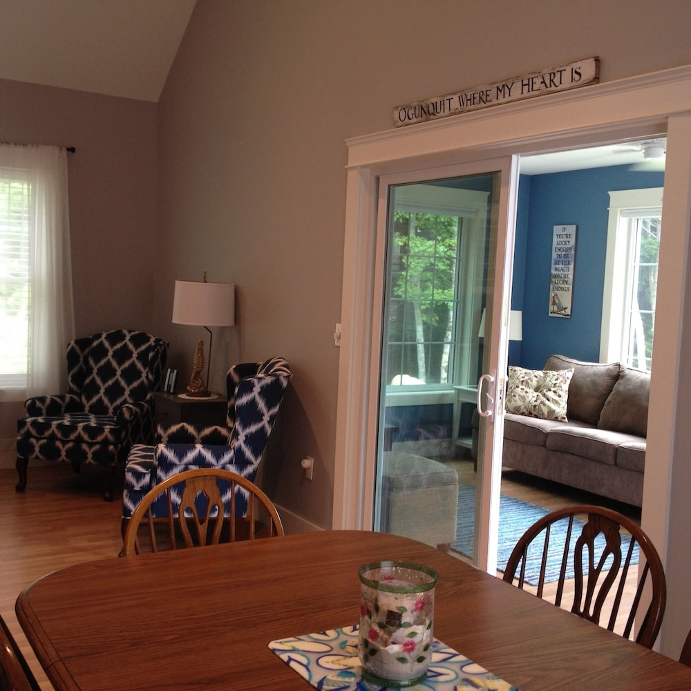 Living Room, Beautiful Summerscape Cottage - Wells Maine