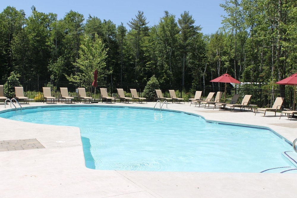 Pool, Beautiful Summerscape Cottage - Wells Maine