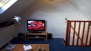 Télévision, lecteur de DVD, chaîne hi-fi