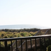 A Fantastic Place to Make Memories. Close/easy Beach Access. Great View