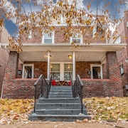 Family Friendly , Fully Renovated 3BR Luxury Home. Centrally Located in St.louis