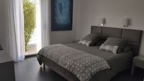 3 bedrooms, Egyptian cotton sheets, premium bedding