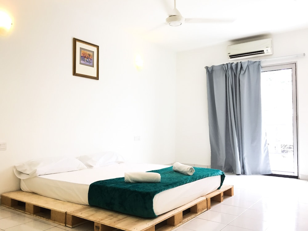 A Humble Abode That Welcomes You And Your Guest For Comfy Clean Stay