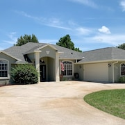 Beautiful Home on Quiet Street in a Nice Neighborhood on 3rd Hole of Golf Course