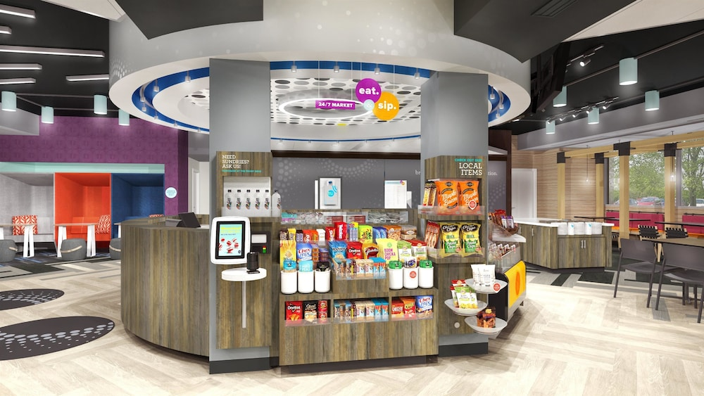 Snack Bar, Tru by Hilton Gilbert