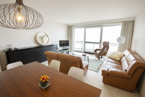 Apartment C227 With Fantastic Views of the Sea, Beach and Dunes in Middelkerke
