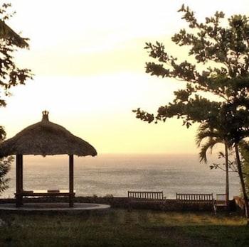 Romeo Beachfront Bungalow
