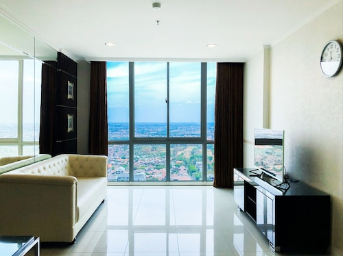 Exclusive 2BR The Via & The Vue Apartment Ciputra World