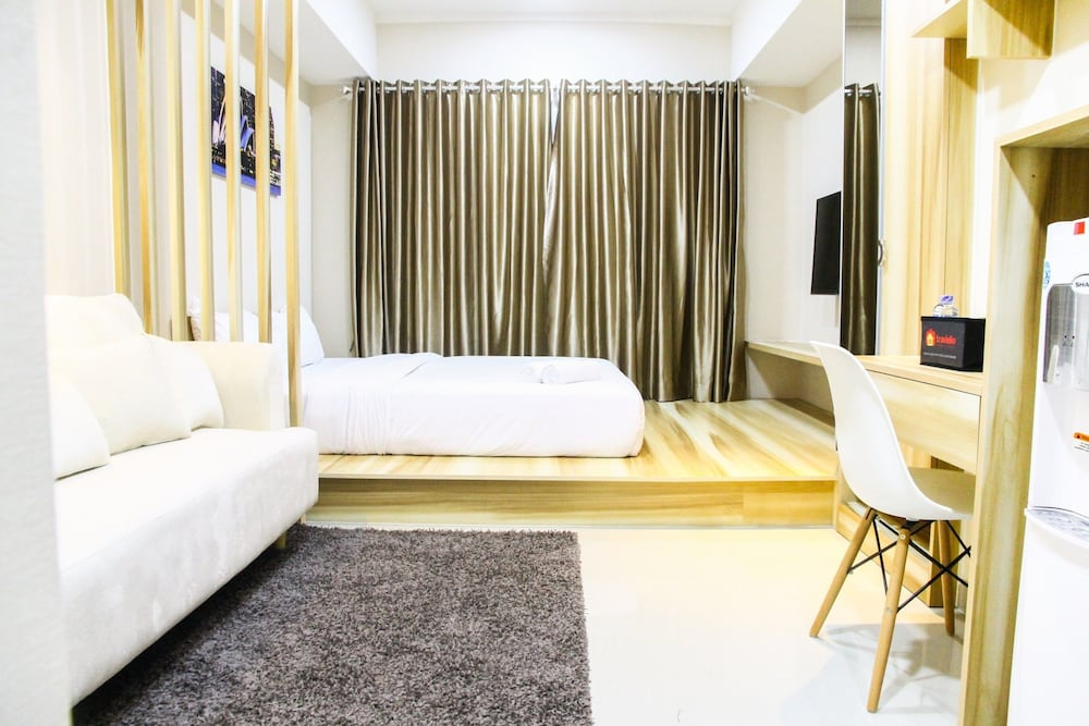 Modern Style The Oasis Studio Apartment with Comfortable ...