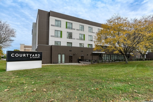 Courtyard by Marriott West Springfield