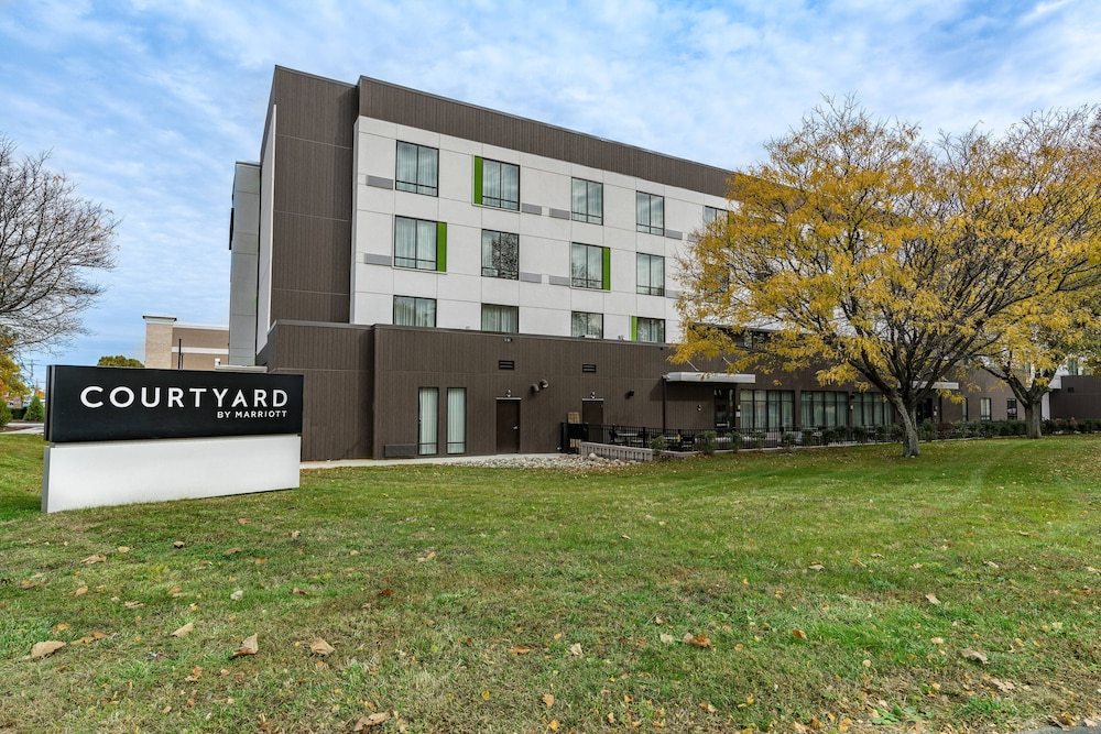 Exterior, Courtyard by Marriott West Springfield