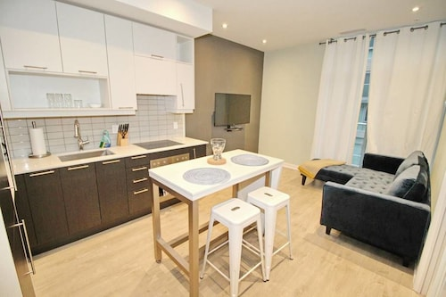 Great Place to stay Executive 1 BD in the heart of Entertainment District near Toronto