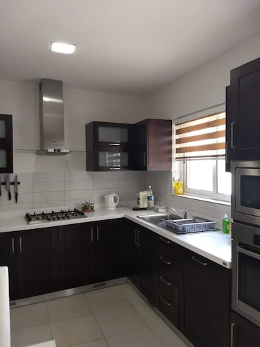 2 Bedroom Apartment With Terrace and Jacuzzi, Mosta ...