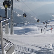 Enjoy the top Pistes in Konigsleiten in April 375