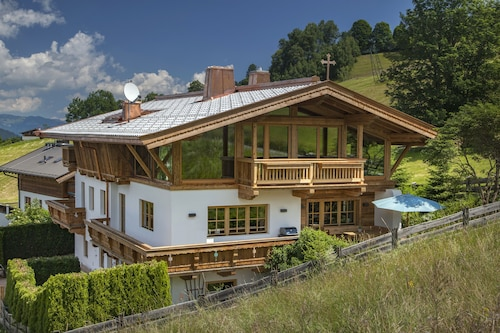 Beautiful Chalet/ Holiday Home/in the Mountains/ski Slope of Kitzbühel