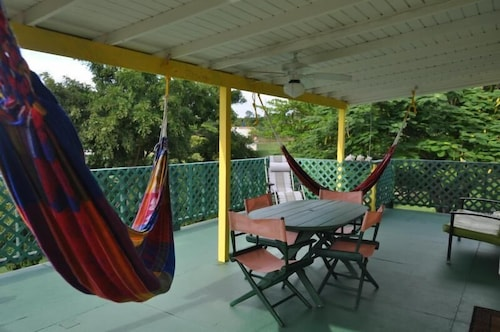 Amarilla Casita In Vieques With Wifi