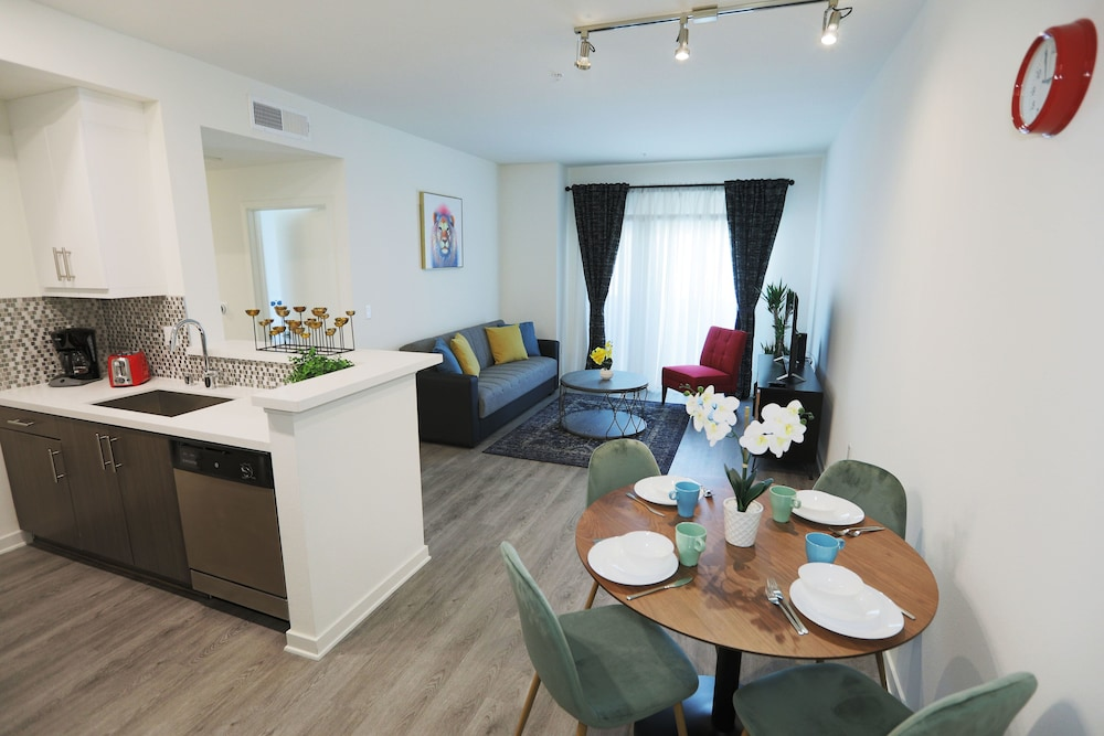 Hollywood Landmark Residences 2019 Room Prices 168 Deals Reviews Expedia