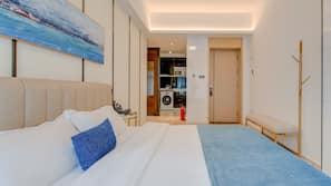 特厚豪華床墊、書桌、窗簾、免費 Wi-Fi