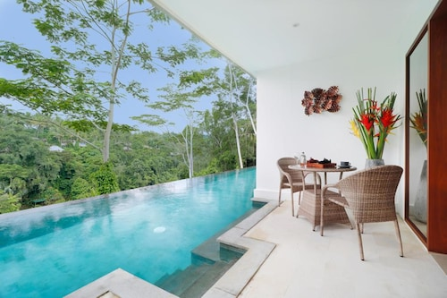 The Hidden Paradise Hill Suites & Villas