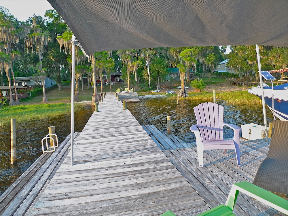 Property Grounds, Old Florida Sunsets Delights at Lake House Retreat With Spectacular Beach & Dock