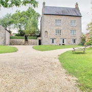 800 Year Old Manor House, Holiday Home, Stay in Luxury