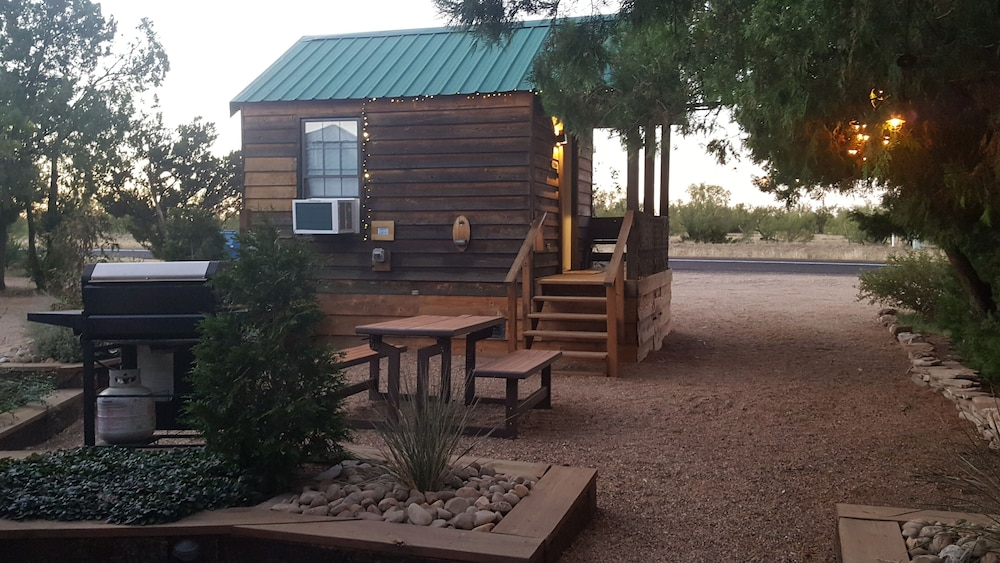 Property Grounds, The Roadrunner Tiny Cabin at Palo Duro Canyon
