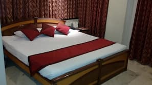 1 bedroom, in-room safe, blackout curtains, rollaway beds