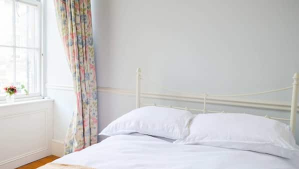2 bedrooms, premium bedding, free WiFi, bed sheets
