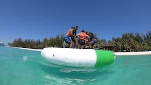 Snorkeling, beach volleyball, kayaking, fishing